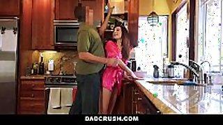 Dadcrush - diminutive step-daughter screwed in kitchen