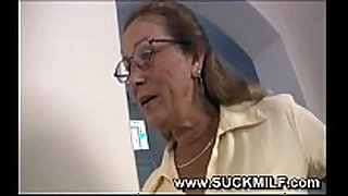 Horny cougar granny sucks youthful dude