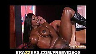 Curvy swarthy masseuse oils herself up for some d...