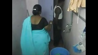 1.aunty make a clean breast tight-lipped web camera 1 బౚండాం ఆంà°ÿà±€ స్నానం