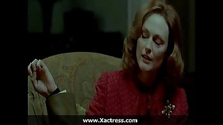 Julianne moore along to dominating mother