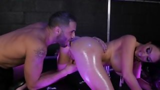 Stripper Brooke Beretta use oil for body, does blowjob, hot anal sex with cumshot