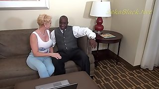 Seka meets Olympian DFWknight and its interracial play time