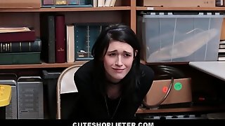 Cute Young Teen Goth Girl Ivy Aura Lets Officer Fuck Her So He Doesn'_t Call The Police For Shoplifting