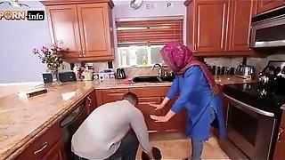 Hot Arab Hijabi Muslim Gets Fucked by man XXX video Hot